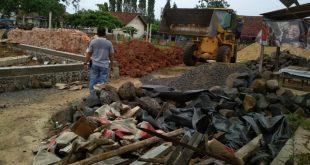 Pondasi Balai Pertemuan Kampung Buyut Ilir Empat Hari Selesai Dikerjakan