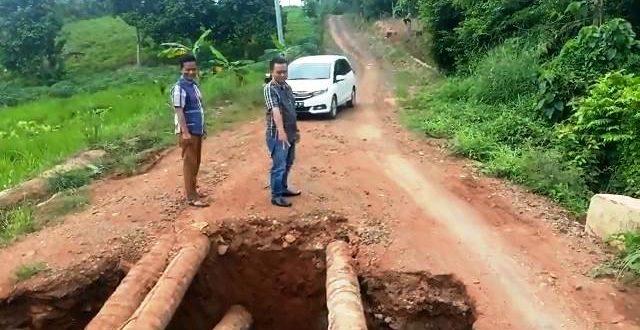 Warga Harapkan Jembatan Rusak Segera Diperbaiki