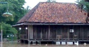Sungai Way Besay Meluap Akibatkan Rumah Warga Kebanjiran