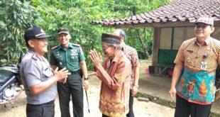 Suasana Haru Warnai Kunjungan Dandim ke Lokasi TMMD