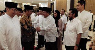 *Hadiri Buka Puasa Bersama DPP Partai Golkar, Arinal Djunaidi Bertemu Presiden Jokowi*