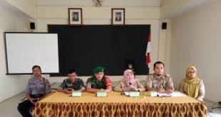 Pro Aktif Babinsa Kelurahan Kemlayan Dalam Rangka Mengikuti Rakor dan Evaluasi LINMAS
