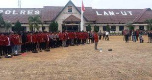 Mahasiswa tergabung dalam organisasi IMM Shalat Ghoib bersama Kapolres Lampung Utara