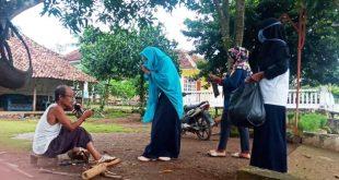 Pemerintah Desa Kinciran bagikan masker dan semprot disinfektan